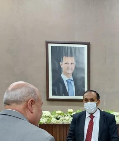 بهذة الطريقة خرج سفير الحوثيين من اليمن الى هذة الدولة العربية!