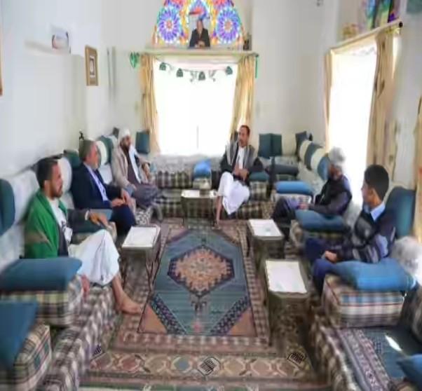 مصادر تكشف عن المكان الذي يختبئ فيه زعيم جماعة الحوثي و إيرلو