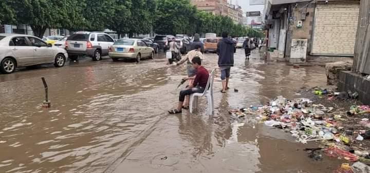 شاهد صورة من قلب صنعاء أصبحت أكثر تداول في مواقع التواصل والنشطاء يعلقون عليها بسخرية