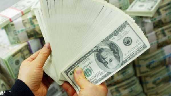 الدولار يتراجع مع تقدم الديمقراطيين
