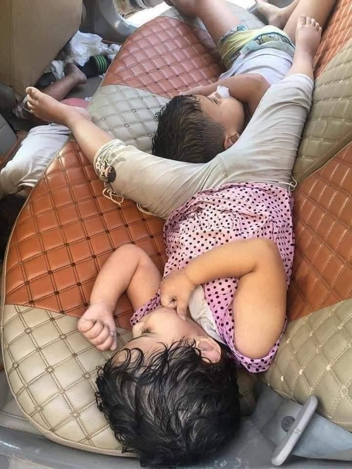 وفاة ثلاثة اطفال داخل سيارة والدهم والسبب غير متوقع ! .. صورة