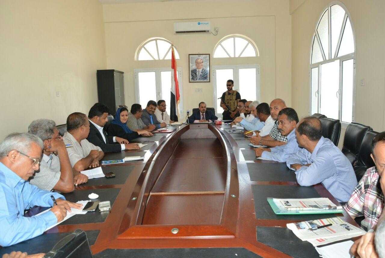 وزير الإعلام يبشر بإعادة تفعيل وتشغيل مختلف المؤسسات الإعلامية من داخل مدينة عدن