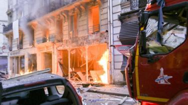 انفجار في مخبز في قلب العاصمة الفرنسية باريس يقتل ثلاثة ويصيب 52 اخرين