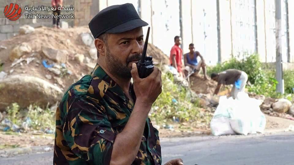 تسليم الجناة الذين حاولوا اغتيال مسئول عسكري رفيع بمدينة تعز ظهر اليوم