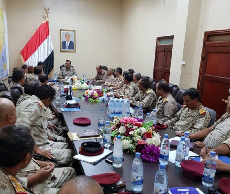 اللواء العقيلي يلتقي مدراء دوائر وزارة الدفاع للاطلاع على سير العمل خلال الفترة الماضية