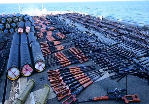 العثور على المخبأ السري للأسلحة الحوثية الفتاكة التي تهدد اليمن ودول الخليج  وكيف تصل إليهم؟