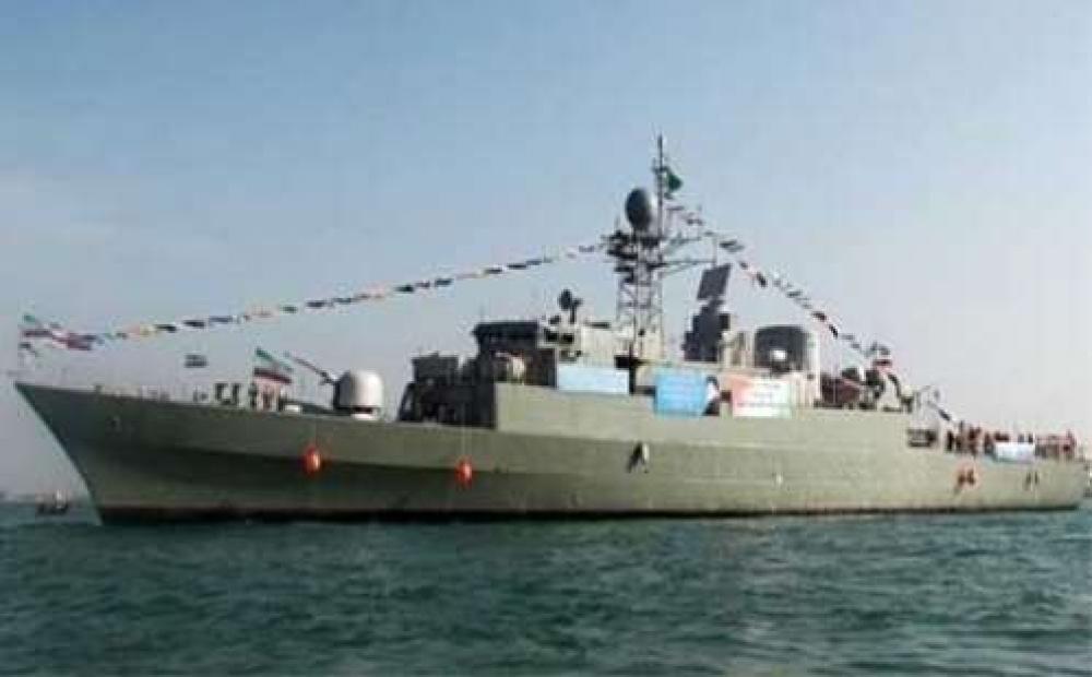 ميليشيا الانقلاب يزعمون استهداف بارجة حربية للتحالف قبالة سواحل الحديدة