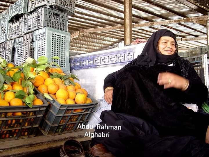 صورة نادرة لملكة البرتقال في اليمن الذي توفت نهاية 2019  بعد أن وصلت ثروتها إلى أكثر من مليون دولار