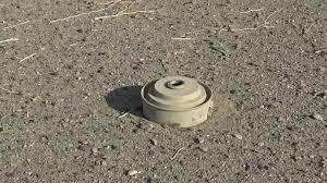الضالع : إنفجار لغم بمواطن في منطقة الفاخر