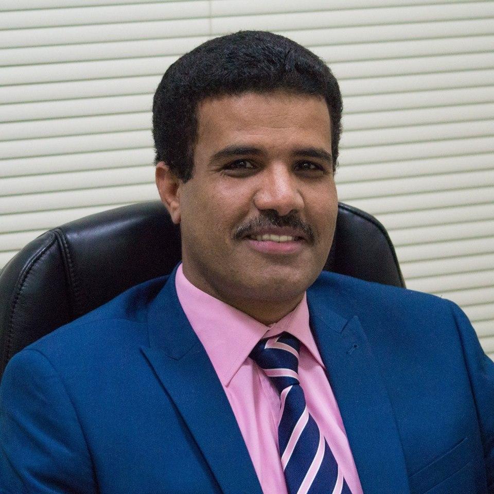 الدكتور محمد جميح يعقد وجهات للمقارنة بين تصريحات عيدروس النقيب والحوثيين (تناغمات الانقلاب في الشمال والجنوب)