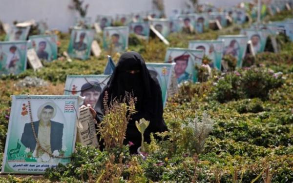 مليشيا الحوثي تدفن 100 من قتلاها بشكل سري في مدينة ذمار