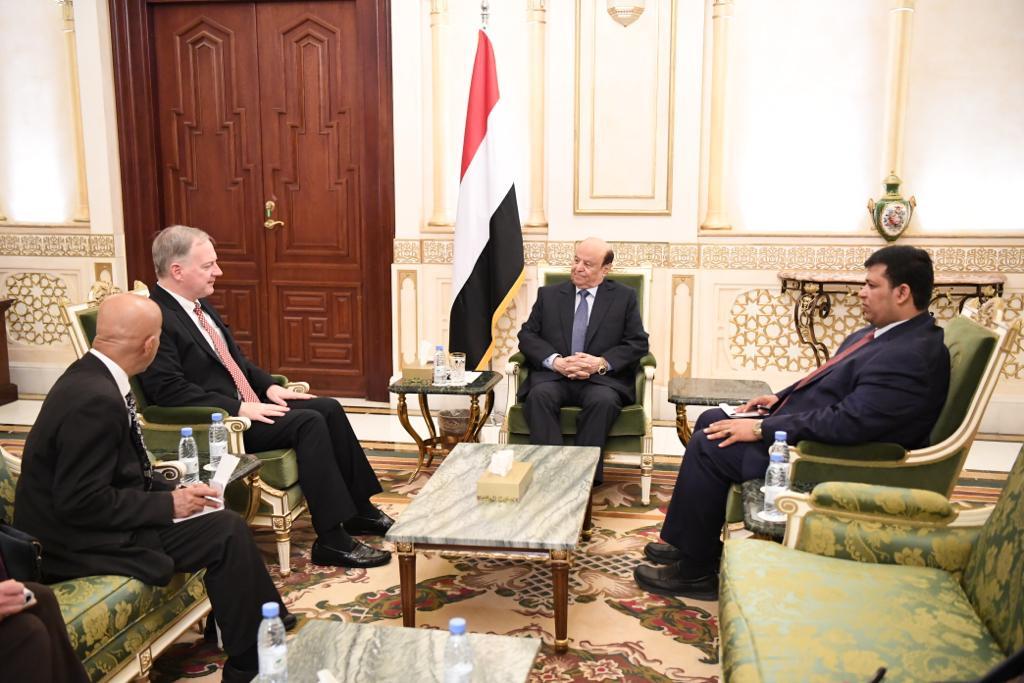 رئيس الجمهورية يستقبل السفير الأمريكي لدى اليمن