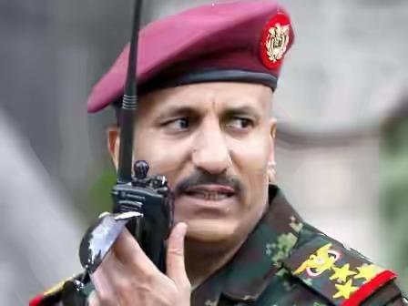 """طارق صالح يتذكر نجله """"عفاش"""" المعتقل بسجون الحوثيين ويغرد بحزن لفراقه من مقر إقامته بالرياض"""