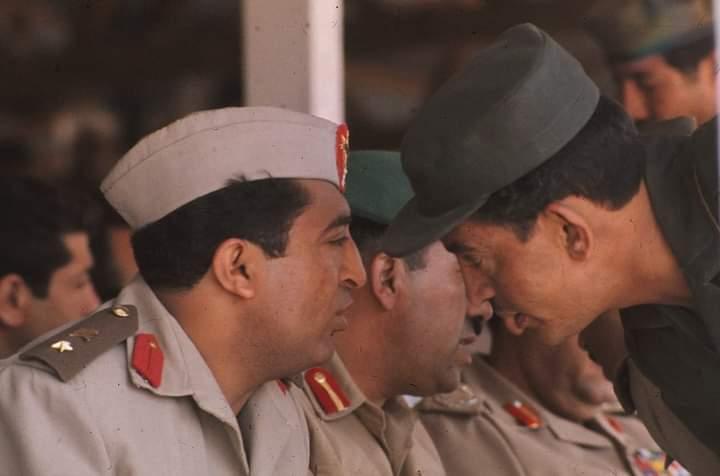 صورة نادرة للرئيس ابراهيم الحمدي في أحد احتفالات الثورة اليمنية بعدسة مصور هولندي