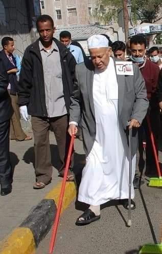 مسلحون يقتحمون  منازل بيت هائل سعيد في تعز أكبر رجال  أعمال في اليمن