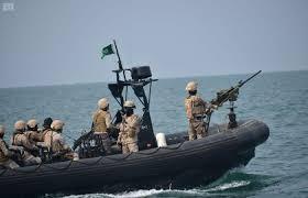 السعودية تعلن أنها صدت هجوما لثلاثة زوارق مسلحة في مياهها وإيران تتهمها بقتل صياد