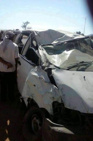 إصابة 12 طالبة جامعية بحادث مروري في طريق الضالع ..صورة