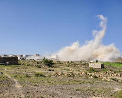 الحوثيين يدمرون منزل السباعي بشكل كامل ونهائي .. صورة
