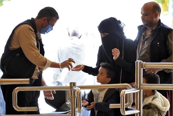 صحيفة أمريكية تكشف عن أسباب عدم وجود أي اصابات بفيروس كورونا في اليمن