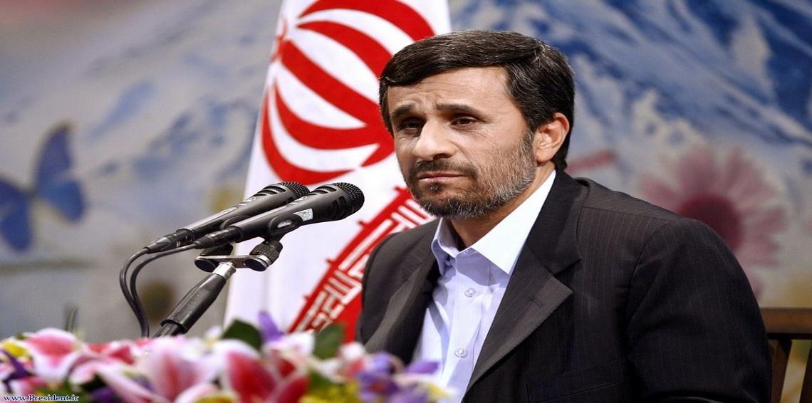 """نجاد يهاجم روحاني ويصفه بـ""""الغاصب"""""""