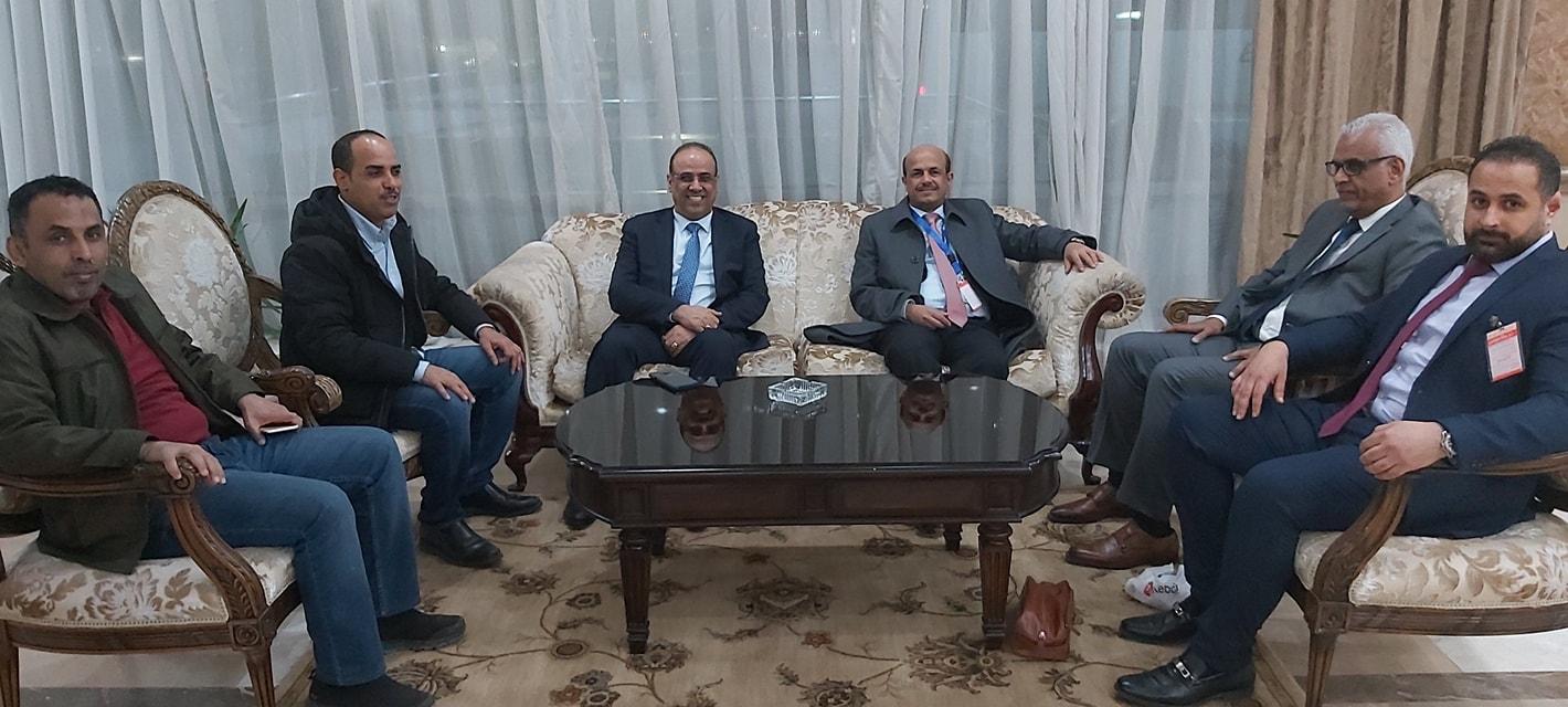 """عاجل : وزير الداخلية """"الميسري"""" يصل العاصمة المصرية القاهرة"""