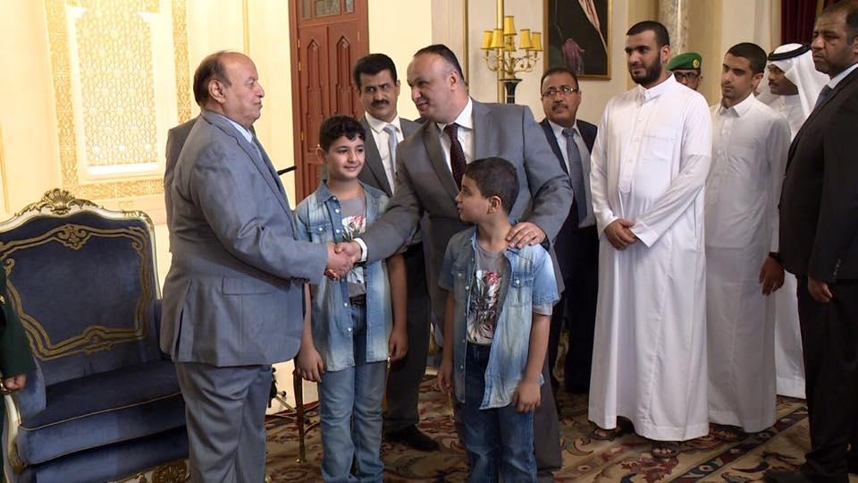 سام الغباري والرئيس هادي