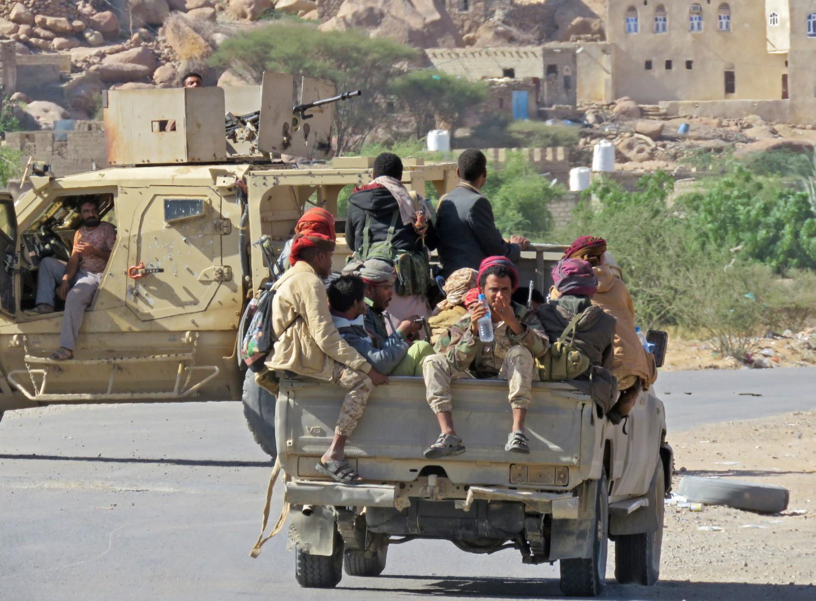شاهد صور للقوات العسكرية الضخمة التي وصلت اليوم لحسم المعركة في مأرب وسط مجزرة دامية للحوثيين (مستجدات جديدة)