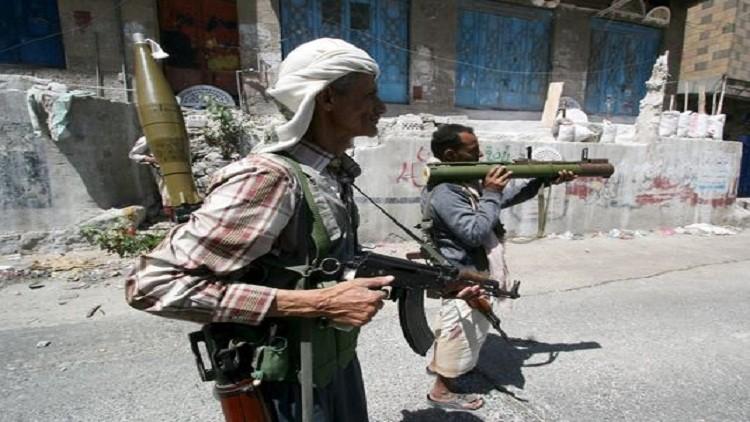 ماذا يحدث؟ .. قيادات الحوثي تتبادل إتهامات الخيانة بتصفية عناصرها في هذه الجبهة ؟