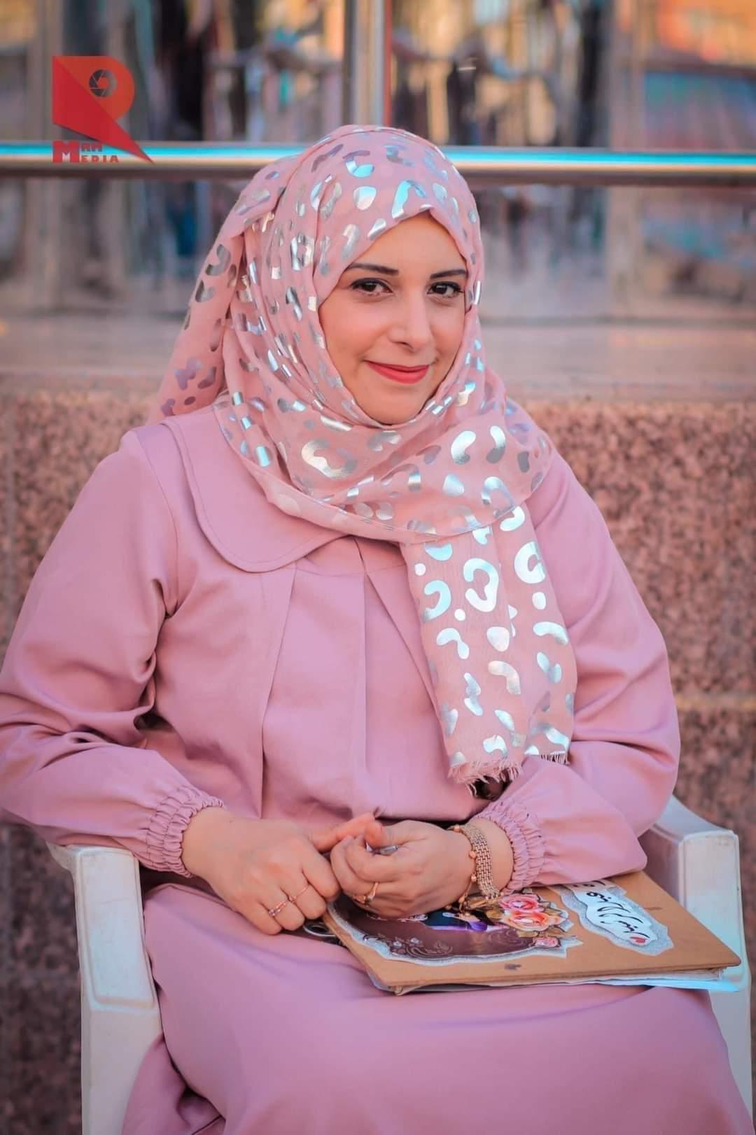 صحفيون يطالبون الرئيس هادي بعلاج الإعلامية العدنية سارة الرشيد