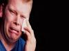 للرجال..البكاء يحميكم من النوبات القلبية
